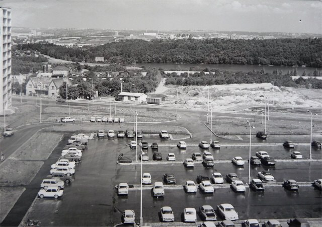 Parkování před lety..., obrázek se otevře v novém okně